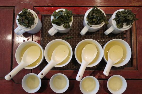 茶葉ティスティング 文山包種茶