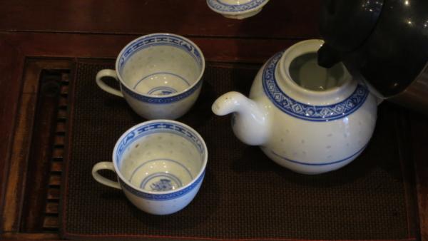 茶壷・茶杯を温める