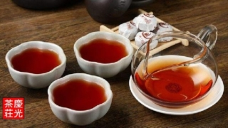 プーアル茶を淹れる