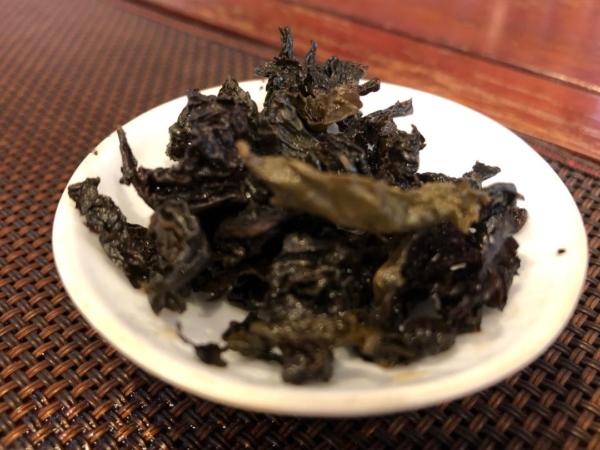 オリジナル焙煎 烏龍茶の叶底
