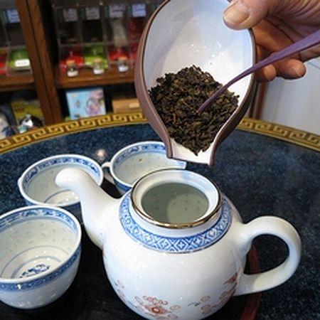 黒烏龍茶の淹れ方 黒烏龍茶を急須で淹れる1