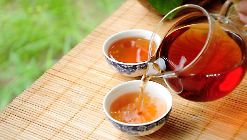 黒烏龍茶の飲み方イメージ