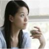 中国茶を飲む女性