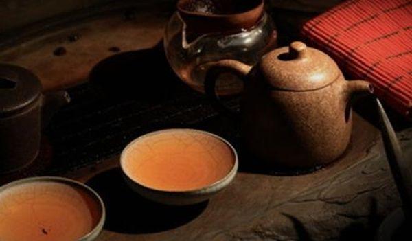 急須とプーアル茶