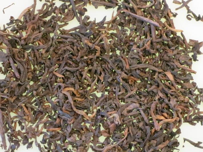 プーアル茶16年醗酵の茶葉1