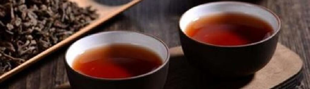 普洱熟散茶と茶杯