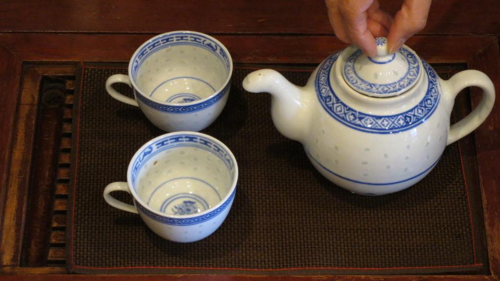 中国茶のかんたん淹れかた お湯を入れたら待ちます