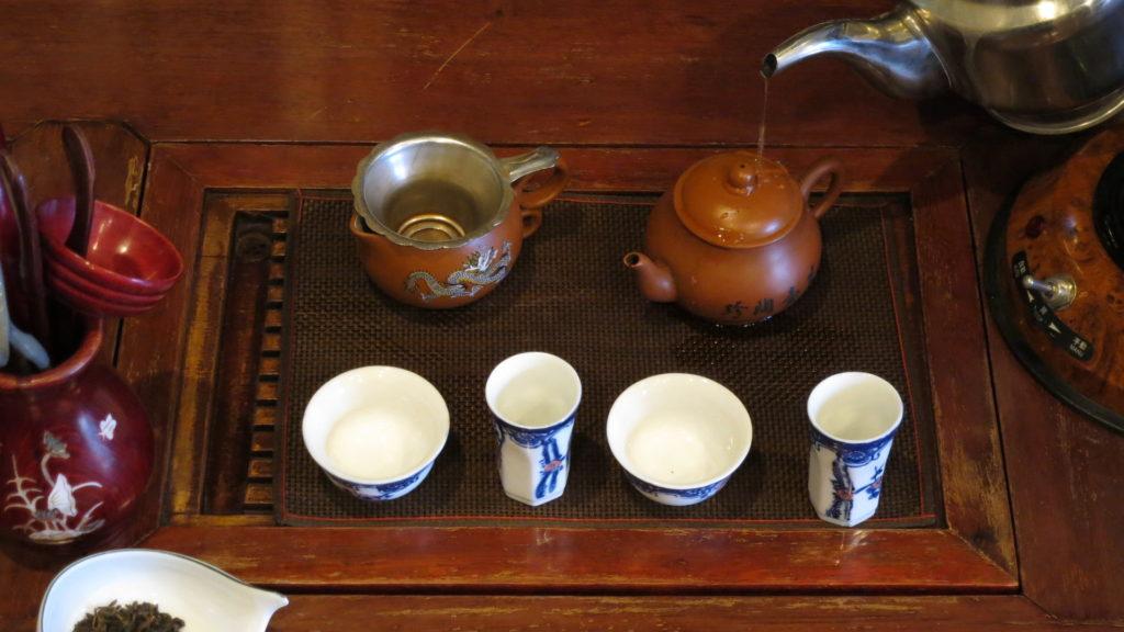 中国工夫茶器で淹れる 急須を温める