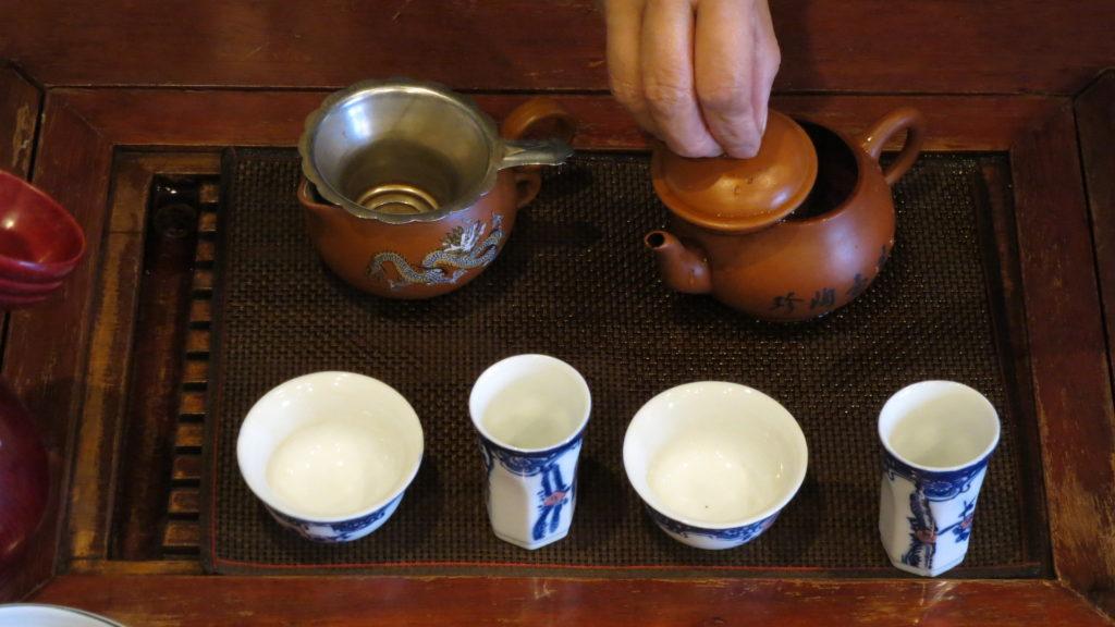 中国工夫茶器で淹れる 蒸らすと美味しくなる