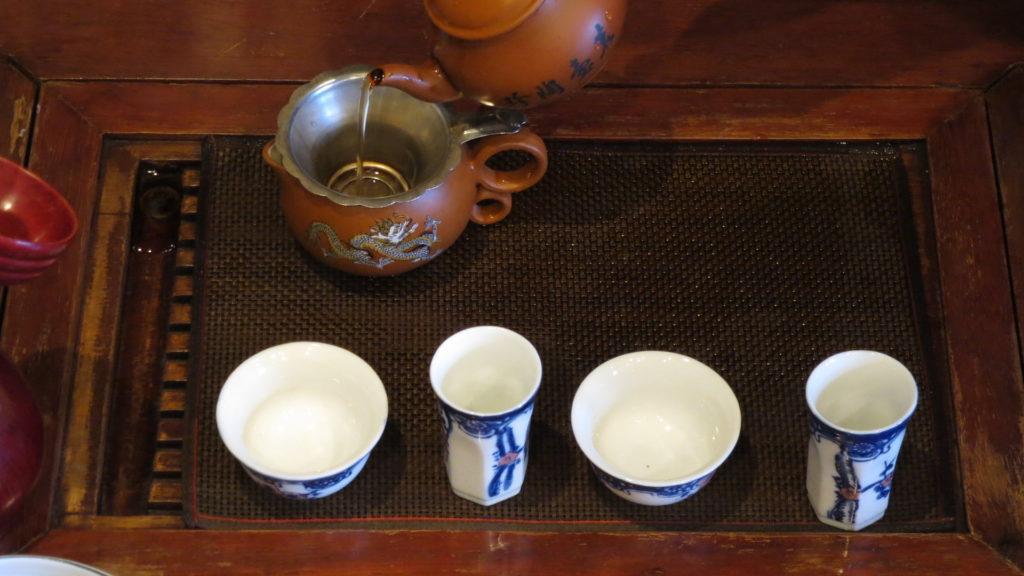 中国工夫茶器で淹れる 茶海を使う
