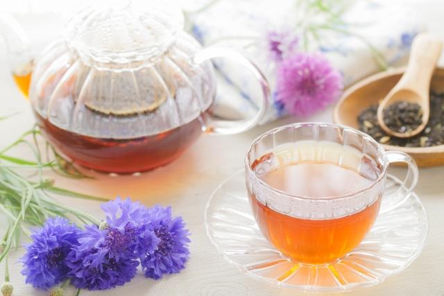 中国茶をガラスのコップで