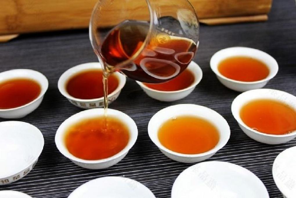 プーアル茶の飲食イメージ
