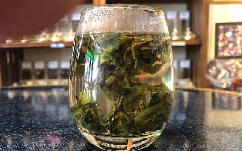 グラスで簡単に誰でもできる 中国茶の淹れ方 出来上がり